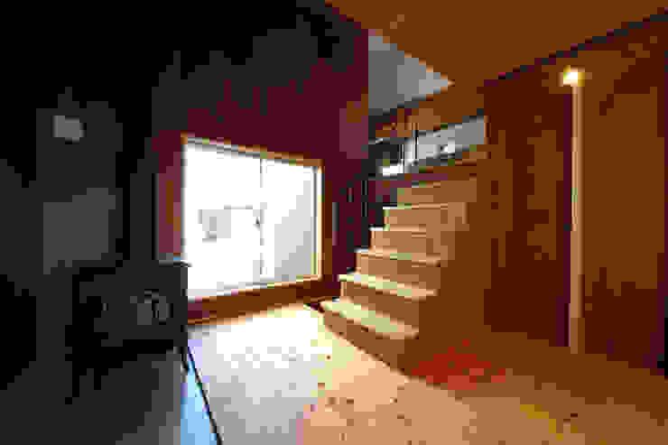 階段室 オリジナルスタイルの 玄関&廊下&階段 の TAB オリジナル