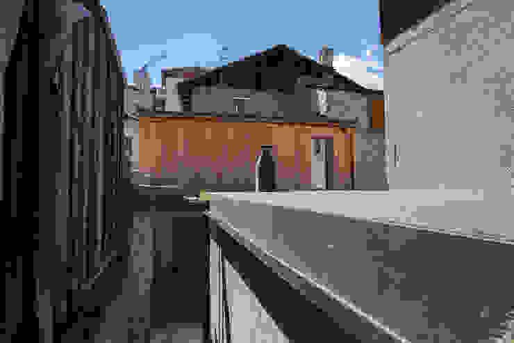 Minimalist house by BEARprogetti - Architetto Enrico Bellotti Minimalist