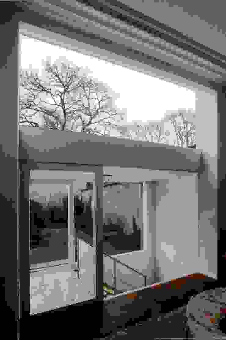 cool Couloir, entrée, escaliers minimalistes par m architecture Minimaliste