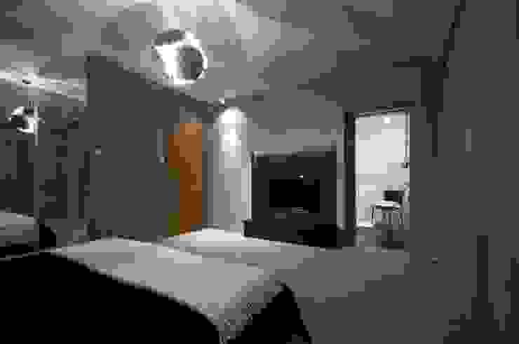 Dom prywatny w Gdynia 2010 Nowoczesna sypialnia od formativ. indywidualne projekty wnętrz Nowoczesny