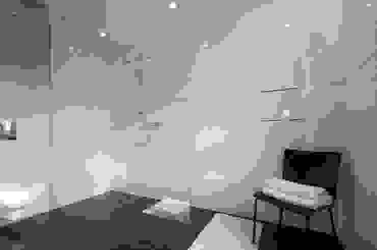 Dom prywatny w Gdynia 2010 Nowoczesna łazienka od formativ. indywidualne projekty wnętrz Nowoczesny