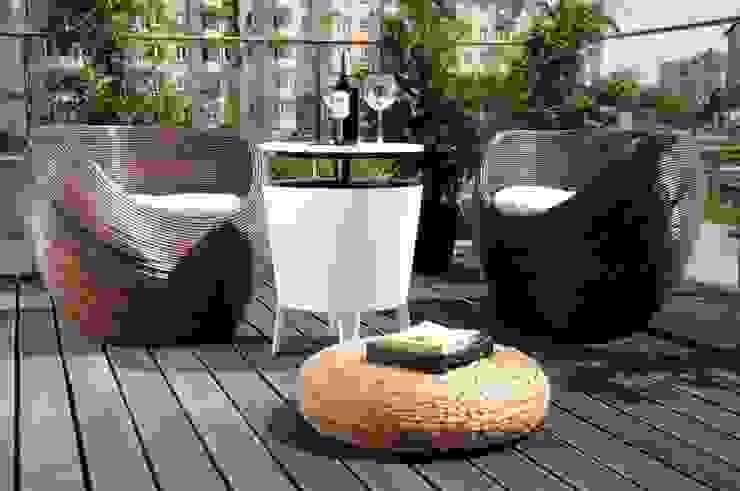 Apartament pokazowy Invest Komfort 2010 formativ. indywidualne projekty wnętrz Nowoczesny balkon, taras i weranda