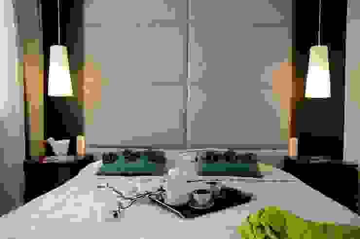 Apartament pokazowy Invest Komfort 2010 formativ. indywidualne projekty wnętrz Nowoczesna sypialnia