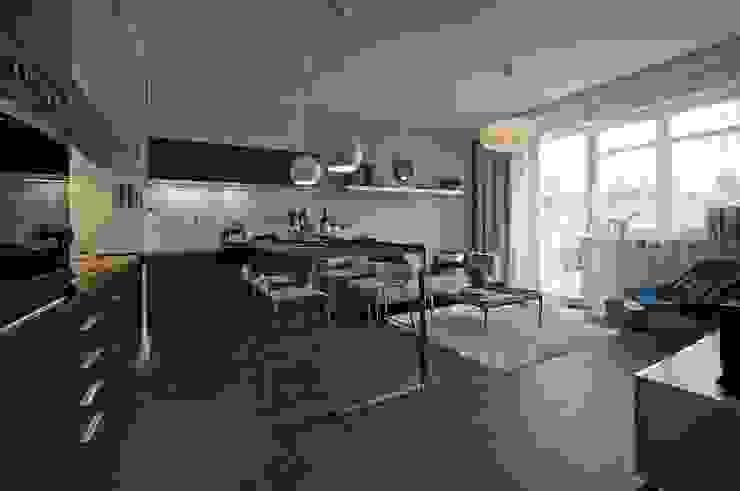 Mieszkanie pokazowe Invest Komfort 2010 Skandynawski salon od formativ. indywidualne projekty wnętrz Skandynawski