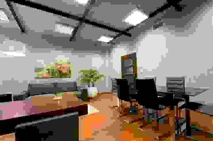 Biuro w Gdynia 2011 Nowoczesne domowe biuro i gabinet od formativ. indywidualne projekty wnętrz Nowoczesny