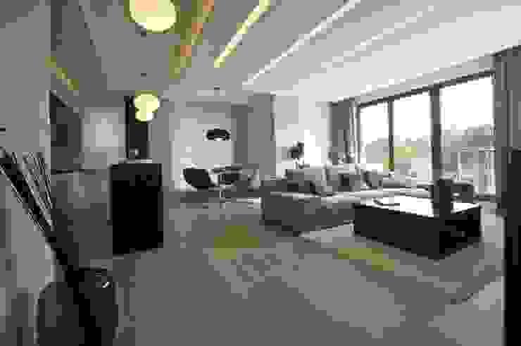 Apartament w Gdańsku 2010 Nowoczesny salon od formativ. indywidualne projekty wnętrz Nowoczesny