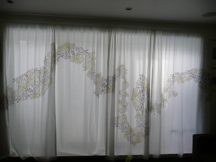 Full set of four curtains: modern  by Georgia Bosson, Modern
