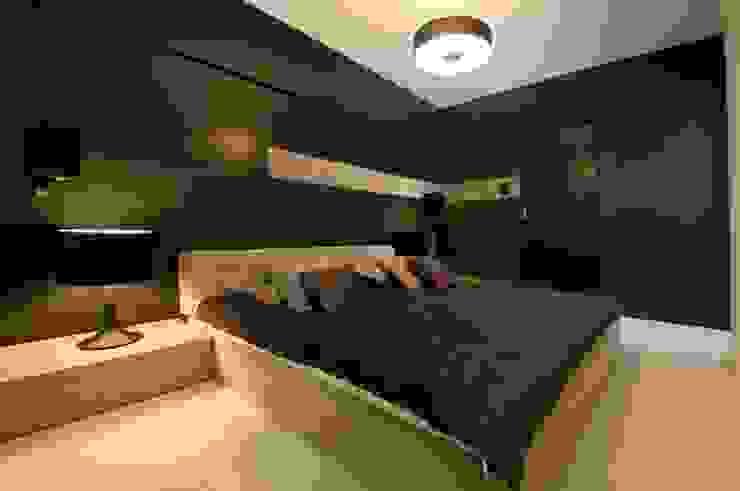 Apartament w Gdynia 2011 Nowoczesna sypialnia od formativ. indywidualne projekty wnętrz Nowoczesny