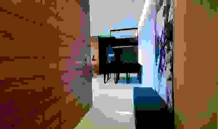 Apartament w Gdynia 2011 Nowoczesny korytarz, przedpokój i schody od formativ. indywidualne projekty wnętrz Nowoczesny