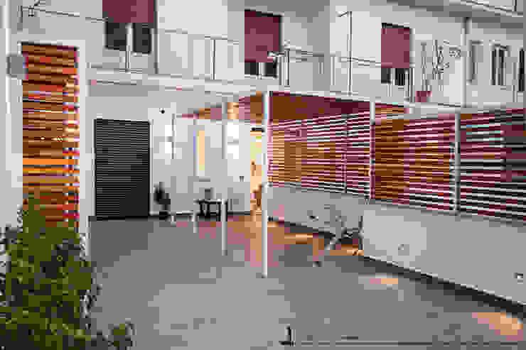 Conservatory by Studio DiDeA architetti associati,