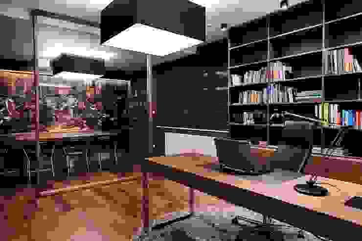 Dom prywatny 2012 Nowoczesne domowe biuro i gabinet od formativ. indywidualne projekty wnętrz Nowoczesny