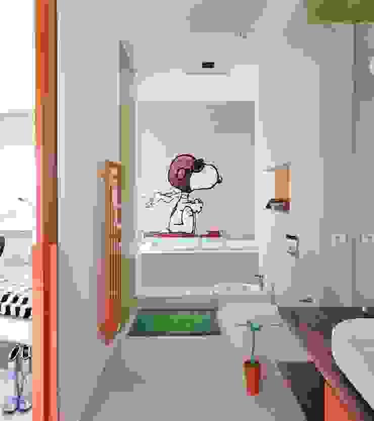 Dom prywatny 2012 Skandynawska łazienka od formativ. indywidualne projekty wnętrz Skandynawski