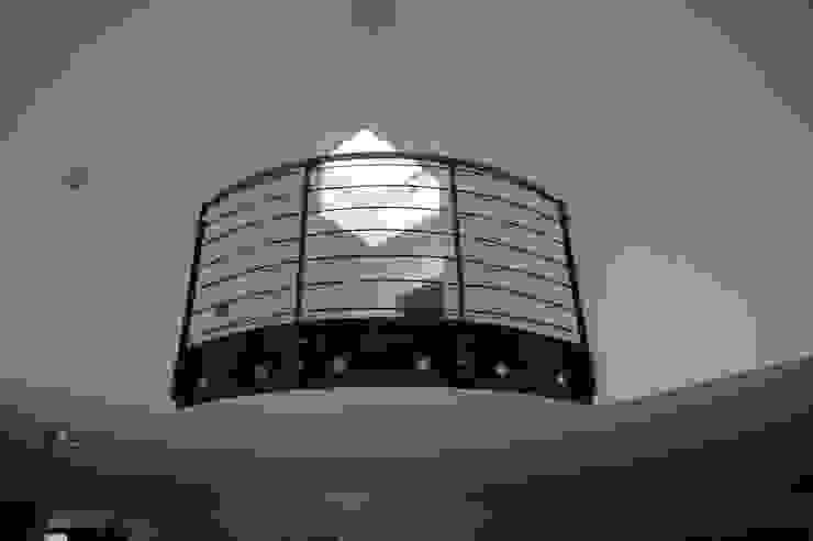 Modern Koridor, Hol & Merdivenler Architekt Witte Modern Metal