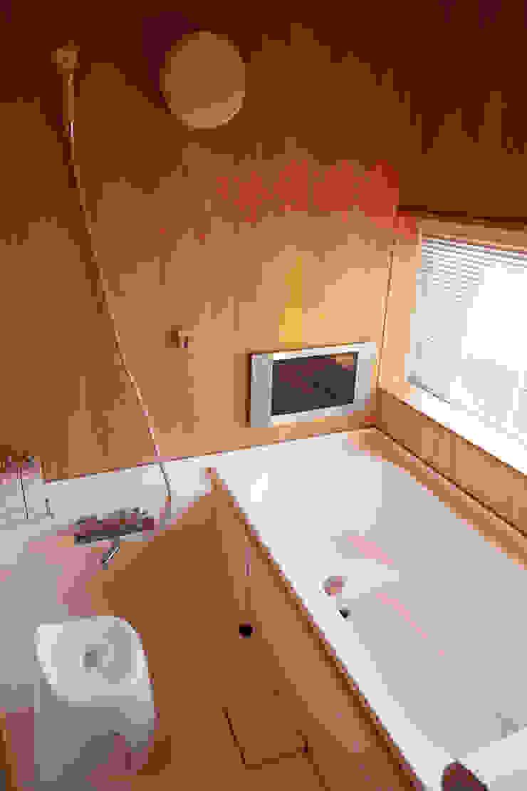 一級建築士事務所co-designstudio Modern bathroom