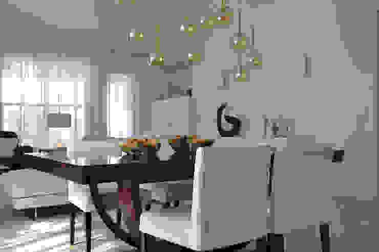 Rick & Garland's House | LAS VEGAS 1.0 Soggiorno moderno di Interni 44 di Silvia Camerotto Moderno