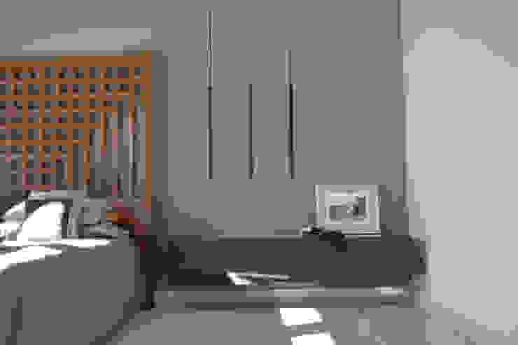 Rick & Garland's House | LAS VEGAS 1.0 Camera da letto moderna di Interni 44 di Silvia Camerotto Moderno