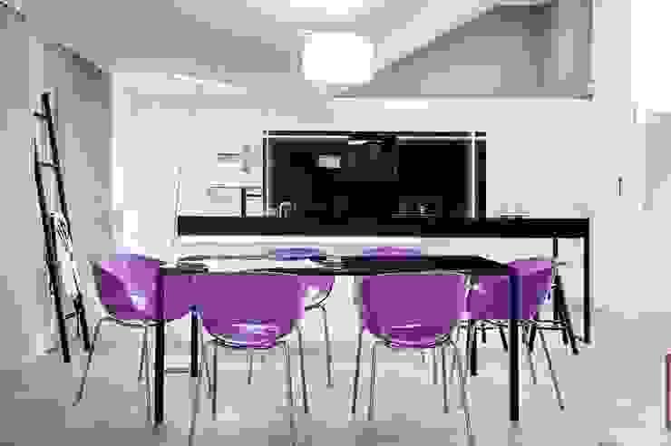 Apartament w Gdańsku 2012: styl , w kategorii Jadalnia zaprojektowany przez formativ. indywidualne projekty wnętrz,Industrialny