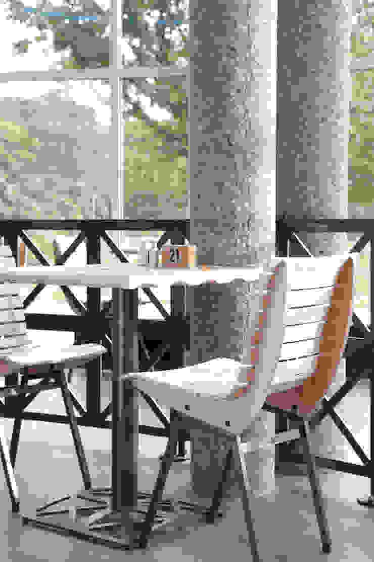 Stoel en tafel T huis van Design X Ambacht Industrieel
