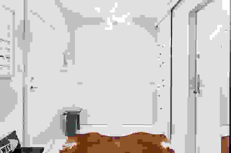Apartament w Gdyni 2012 Nowoczesny korytarz, przedpokój i schody od formativ. indywidualne projekty wnętrz Nowoczesny