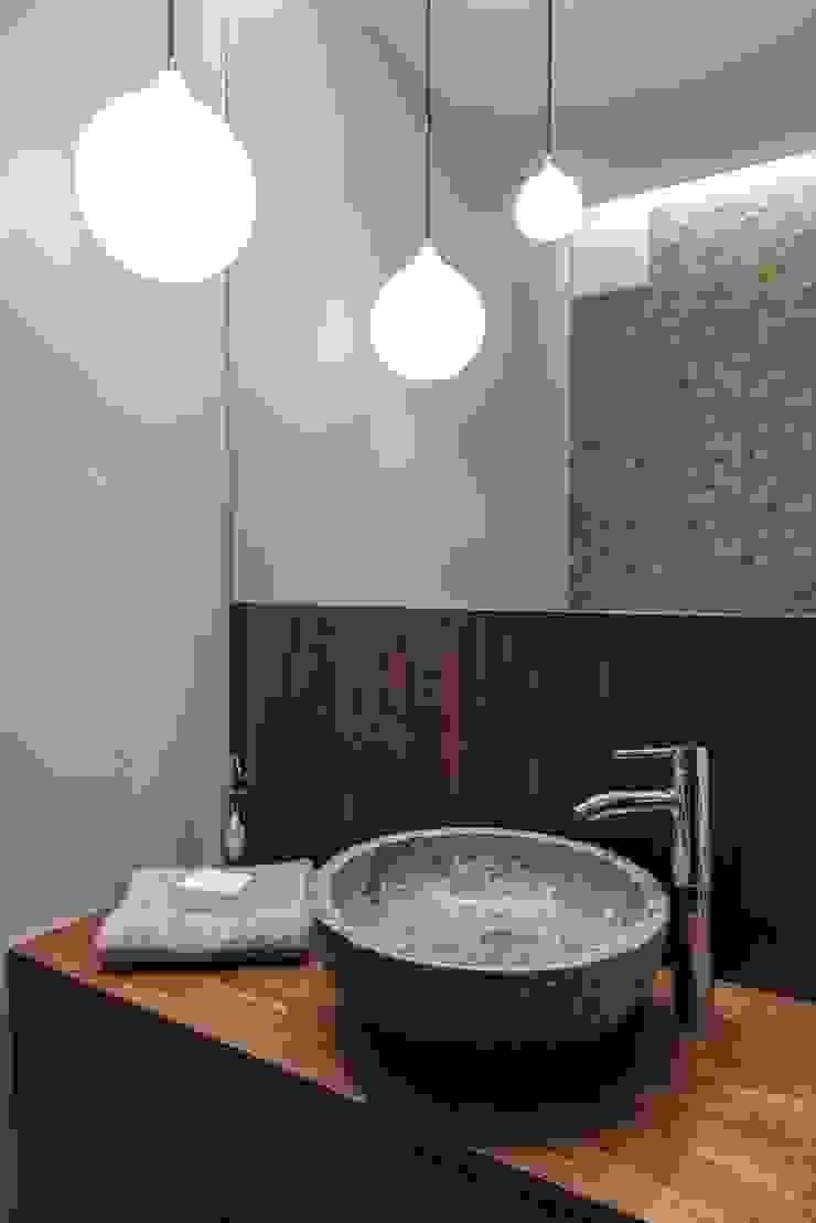 Mieszkanie w Gdyni 2013 Nowoczesna łazienka od formativ. indywidualne projekty wnętrz Nowoczesny