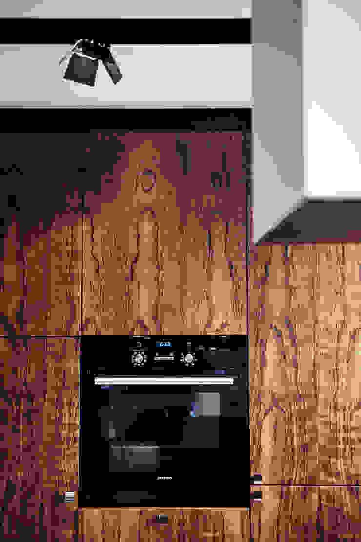 Apartament w Gdyni 2012 Nowoczesna kuchnia od formativ. indywidualne projekty wnętrz Nowoczesny