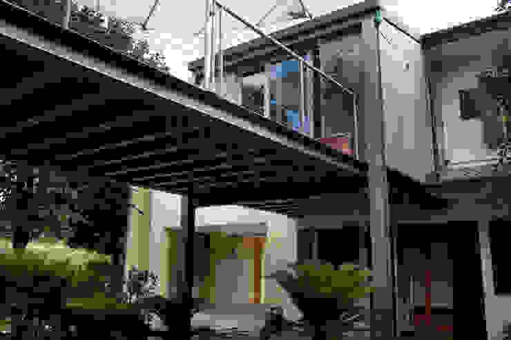 Balcones y terrazas rurales de Studio Negri & Fauro Architetti Associati Rural