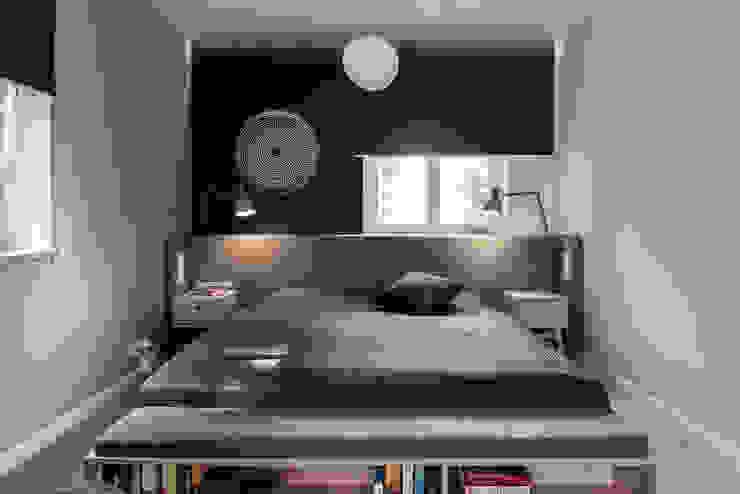 Dom prywatny 2013 Skandynawska sypialnia od formativ. indywidualne projekty wnętrz Skandynawski