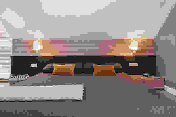 Dom w Gdyni 2015 Skandynawska sypialnia od formativ. indywidualne projekty wnętrz Skandynawski