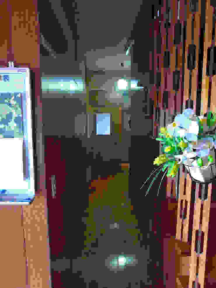 解体前書斎 オリジナルスタイルの 玄関&廊下&階段 の 一級建築士事務所co-designstudio オリジナル