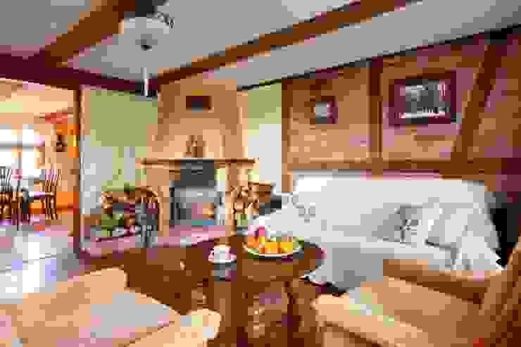 Wiejska chata Wiejski salon od Studio Projektowe RoRO interior + design Wiejski