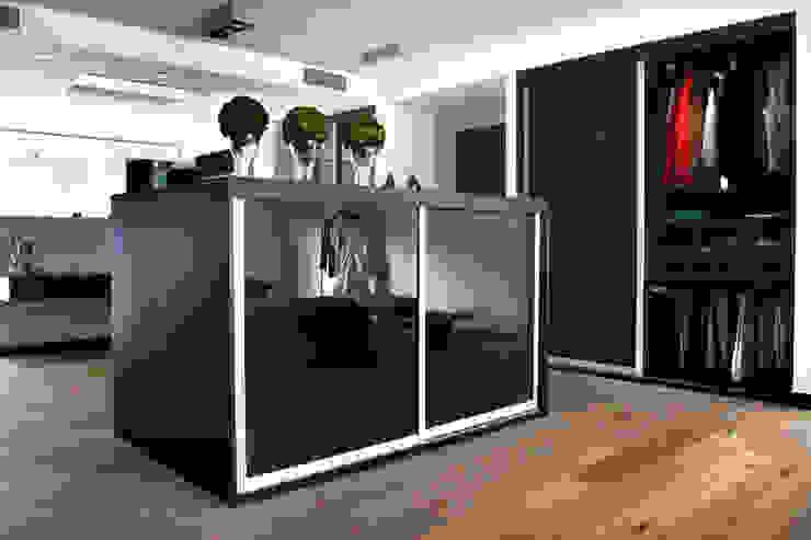 SAHİLEVLERİ PROJE As Tasarım - Mimarlık Yatak OdasıElbise Dolabı & Komodinler