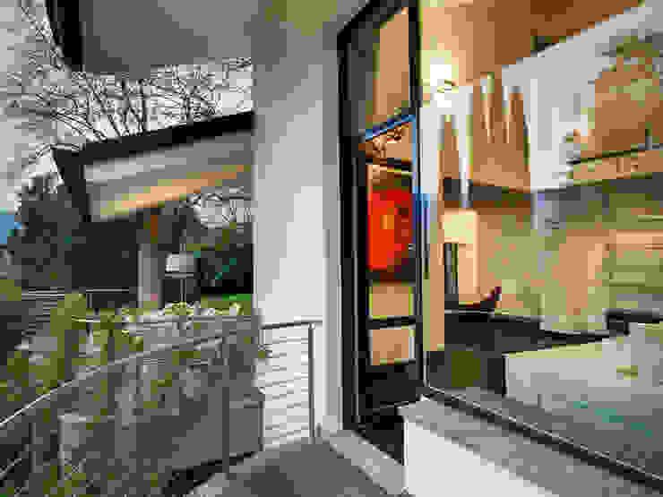 Modern terrace by Studio Marco Piva Modern