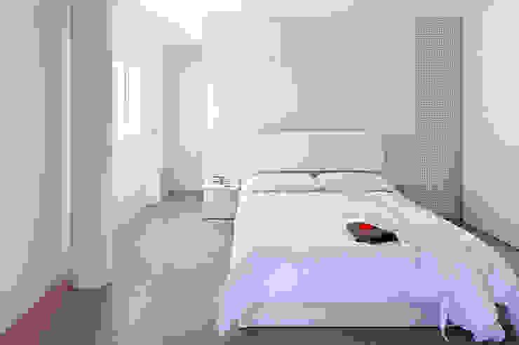 Casa GSX Dormitorios de estilo moderno de Estudi Agustí Costa Moderno