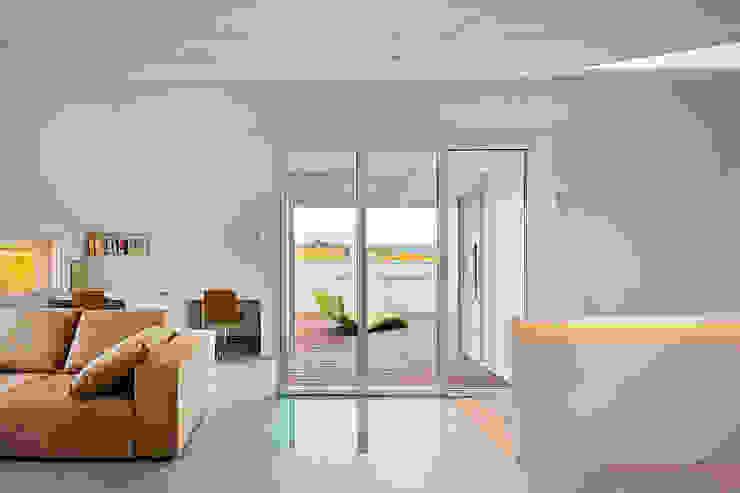 Casa GSX Estudios y despachos de estilo moderno de Estudi Agustí Costa Moderno