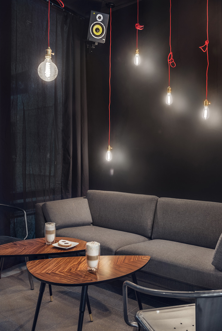 CENTRUM – klubokawiarnia od Sikora Wnetrza Industrialny