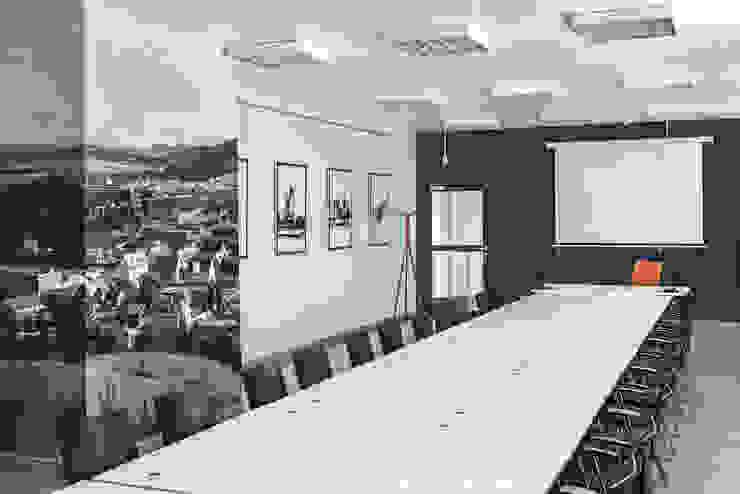 Pusat Konferensi Minimalis Oleh Sikora Wnetrza Minimalis