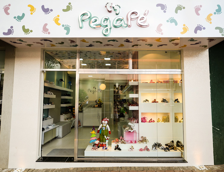 PEGA PÈ STORE Lojas & Imóveis comerciais modernos por Veridiana Negri Arquitetura Moderno