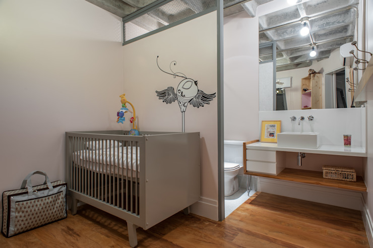 PM Arquitetura Industrial style nursery/kids room