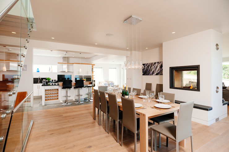 Seagrass, Polzeath, Cornwall Modern dining room by The Bazeley Partnership Modern