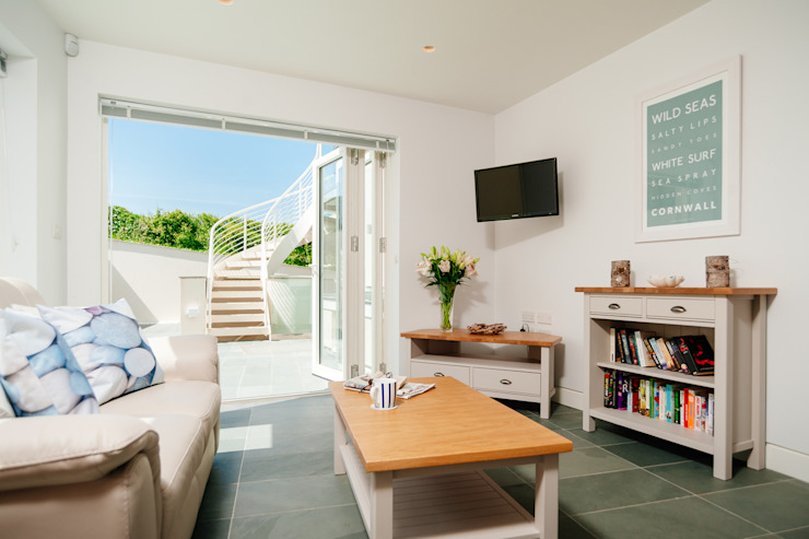 Seagrass, Polzeath, Cornwall Modern living room by The Bazeley Partnership Modern