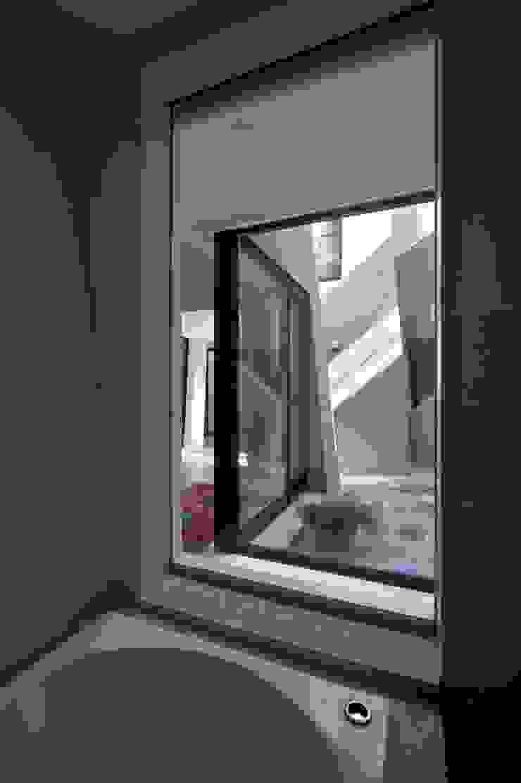 『 にしはらのながや 』 モダンスタイルの 玄関&廊下&階段 の O.A.D 岡由雨子建築設計ディザイン モダン
