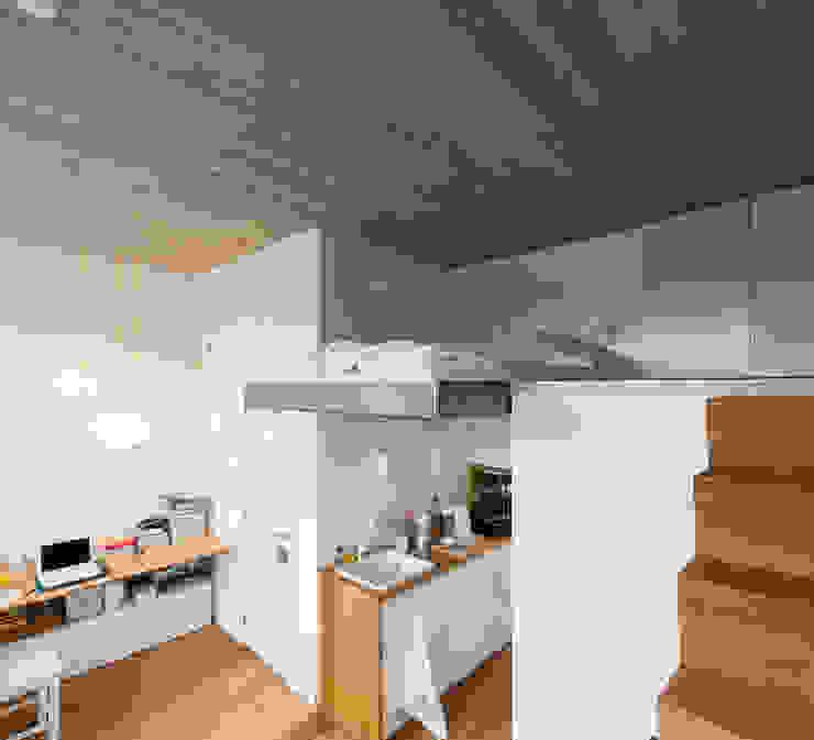 studios HKS Chambre moderne par P8 architecten Moderne