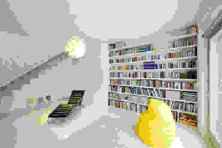 모던스타일 서재 / 사무실 by SEHW Architektur GmbH 모던
