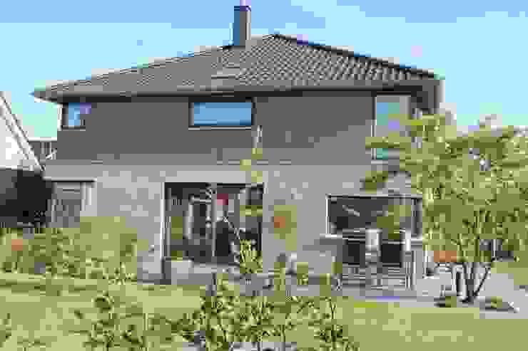 Neubau Einf.-Haus Reinfeld Moderne Häuser von Architekt Dipl.-Ing. Ohlow Modern