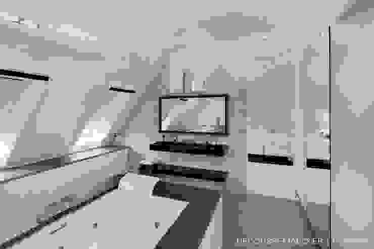 Bathroom by Decoussemaecker Interieurs, Modern
