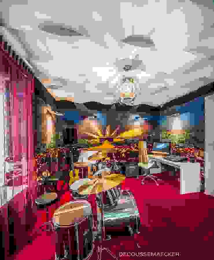 Salas de entretenimiento de estilo ecléctico de Decoussemaecker Interieurs Ecléctico