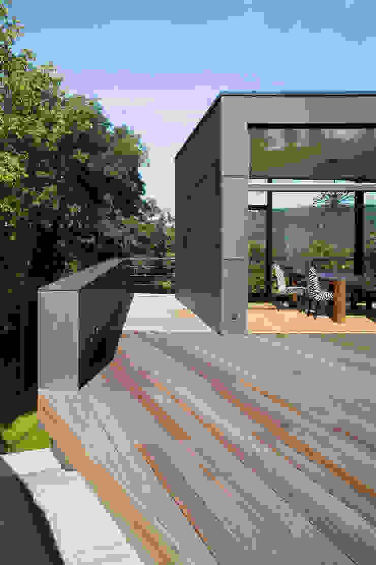 Westterrasse Moderner Balkon, Veranda & Terrasse von Markus Gentner Architekten Modern