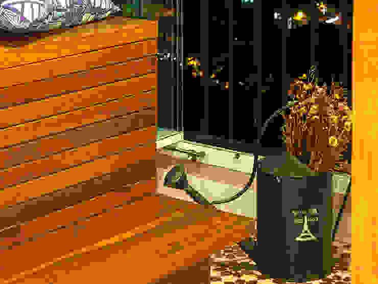 RESIDÊNCIA MAYNARD Varandas, alpendres e terraços modernos por Isabela Bethônico Arquitetura Moderno