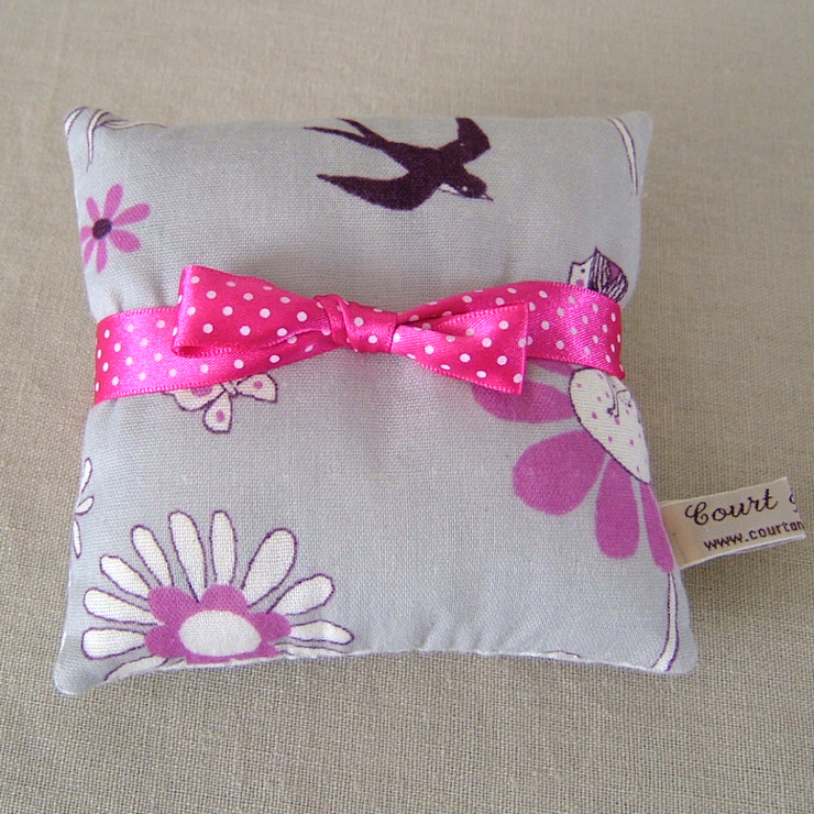 Thumbelina Print Mini Lavender Pillow de Court & Spark Rural