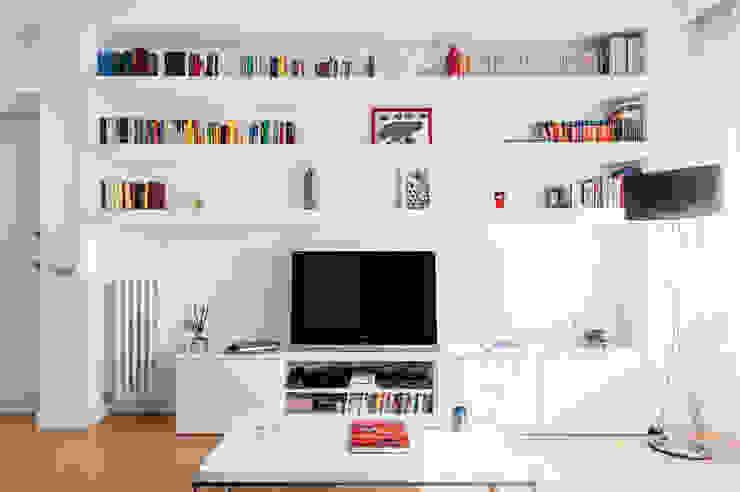 La parete attrezzata Soggiorno moderno di zero6studio - Studio Associato di Architettura Moderno